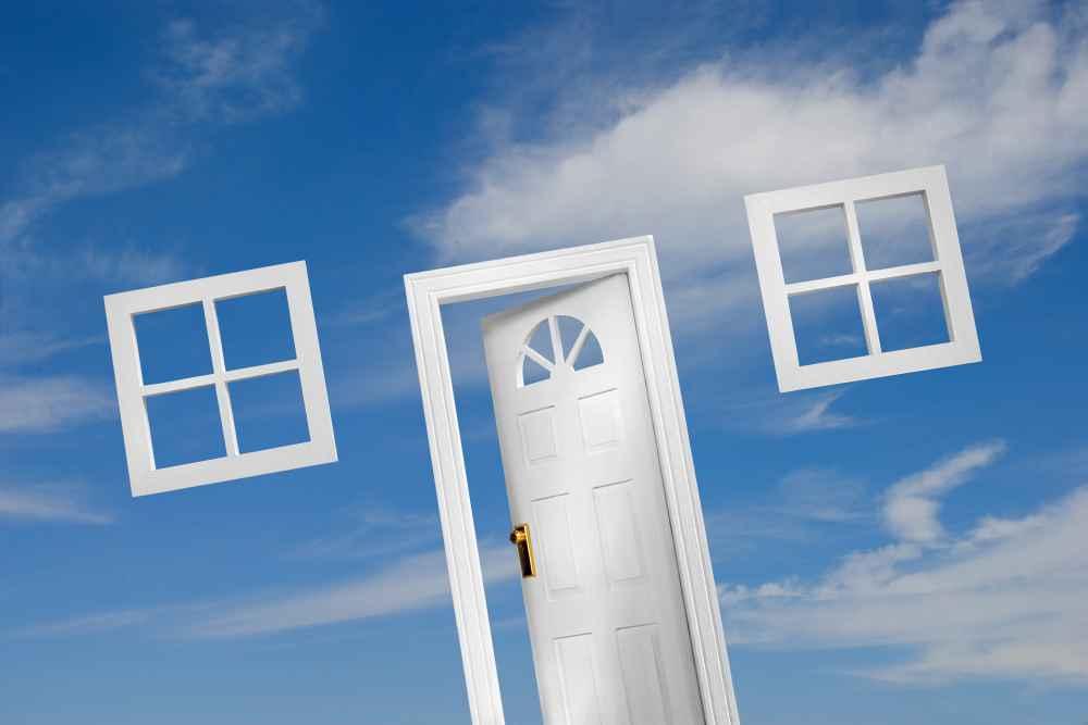 Podstawowe i niestandardowe elementy wyposażenia drzwi wewnętrznych