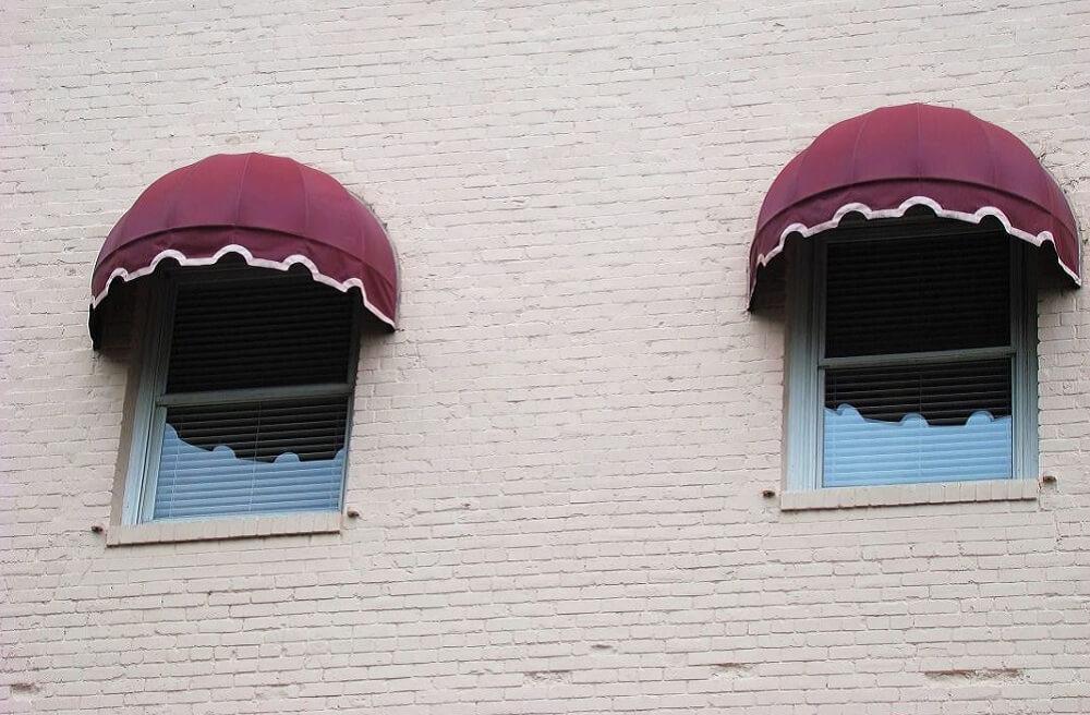 Jak sfunkcjonalizować markizy balkonowe